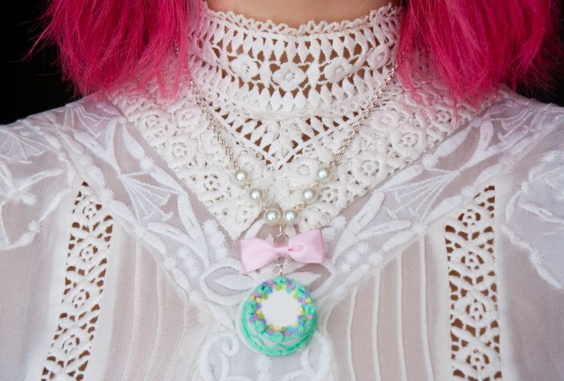 cake necklace 3